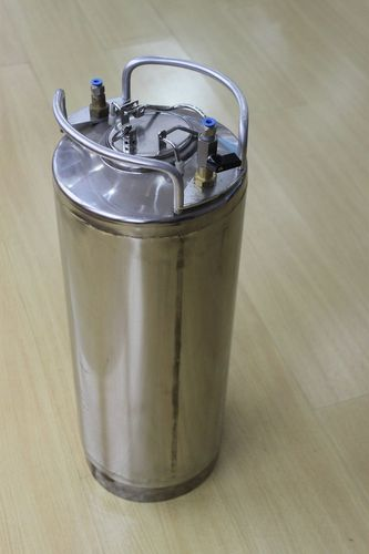 Stainless steel paint tank