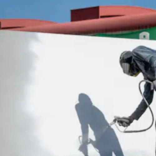 Airless sprayer for waterproof roof spraying